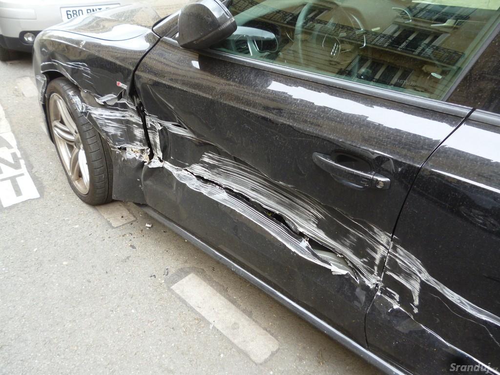 Manželka parkovala